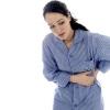 Болі в лівому боці під ребрами спереду: можливі причини і захворювання
