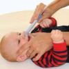 Чим лікувати нежить у немовляти?