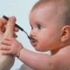 Дитячі суміші харчування для дитини