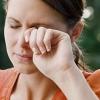 Смикається повіку лівого ока: причини і можливі захворювання. Що робити при гіперкінези?