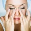 Гнійники на обличчі: причини виникнення