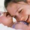 Грудне молоко у молодої мами