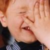 Чужорідне тіло потрапило дитині в око