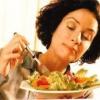 Як правильно і повноцінно харчуватися на роботі