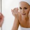 Як звузити пори на обличчі? Салонні методи і домашній догляд