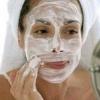 Маски для обличчя в домашніх умовах для жирної шкіри і інший догляд за нею