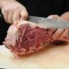 Чи потрібно людям їсти м'ясо тварин?