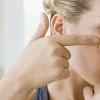 Від чого з'являються прищі на обличчі: причини у жінок і чоловіків