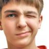 Чому смикається очей? Причини і лікування