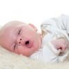 Чому немовля може кашляти?