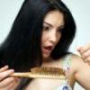 Причина випадіння волосся у жінок