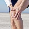 Причини болю в колінному суглобі. Чому болять коліна?