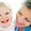 Прорізування зубів у маленької дитини