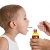 Сироп від сухого кашлю - дитячий і дорослий. Які недорогі кошти краще?