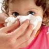 Судинозвужувальні краплі при лікуванні нежиті у дитини
